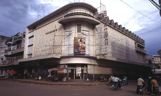 1898019_677899862269309_179947155_nformer-cine-capitol-designed-by-vann-molyvann-in-1964
